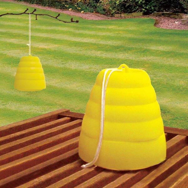 pi ge gu pes en forme de ruche insectes volants. Black Bedroom Furniture Sets. Home Design Ideas