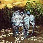 Elefant mit Solarleuchte