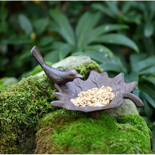 Baignoire pour oiseau vendre d 39 un design esschert en fonte boire et se baigner oiseaux du - Baignoire oiseaux jardin ...